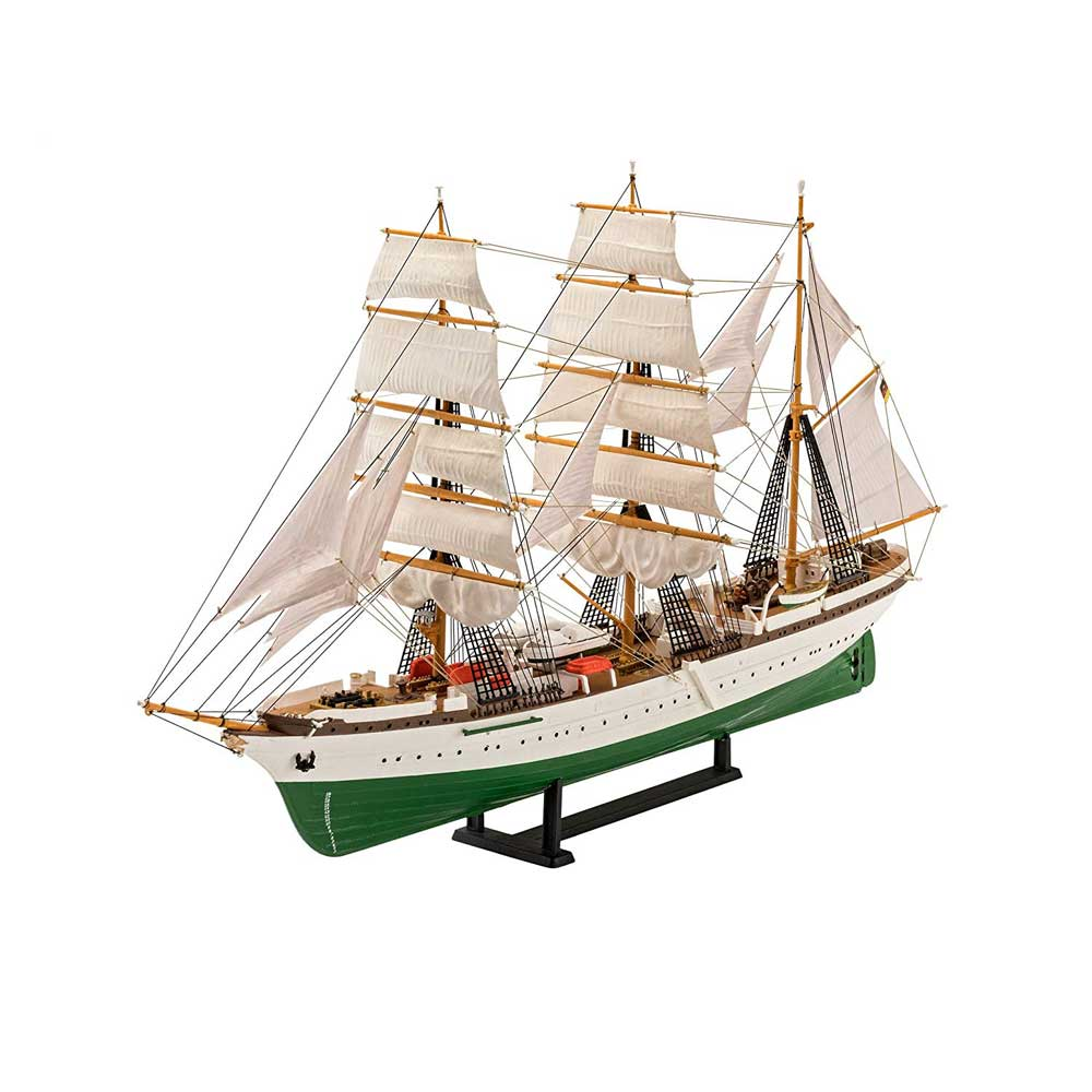 REVELL MAKETA GORCH FOCK - 60TH ANNIVERSARY