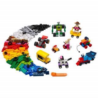 LEGO CLASSIC BRICKS AND WHEELS